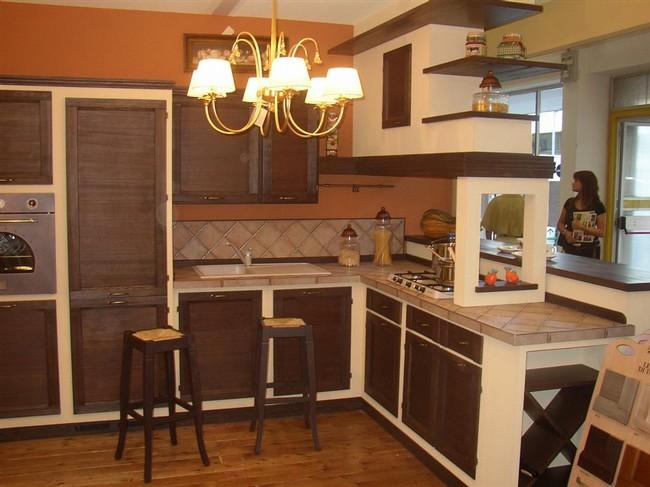 Cucine in muratura per verande scaffale con ripiani per - Idee cucine in muratura foto ...